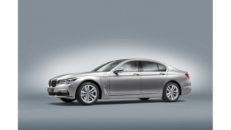 BMW reveals 740e hybrid as the first car from iPerformance sub-brand