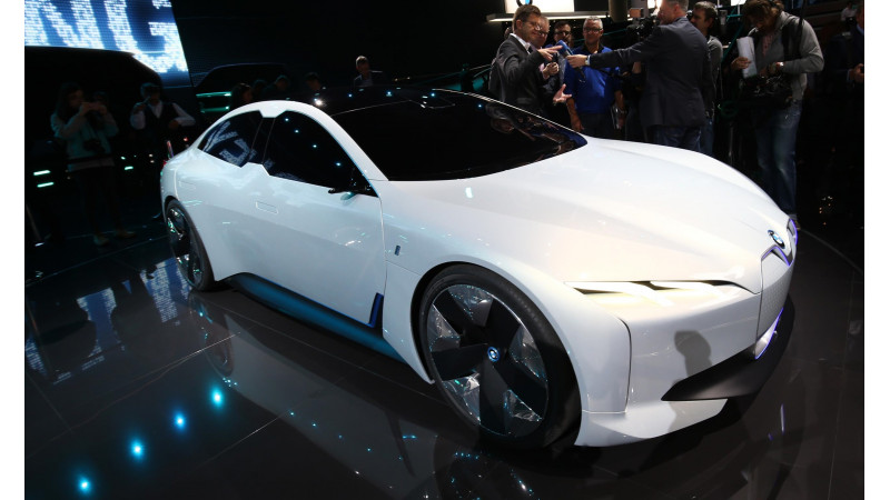 Frankfurt Auto Show 2017: BMW showcases i Vision Dynamics concept