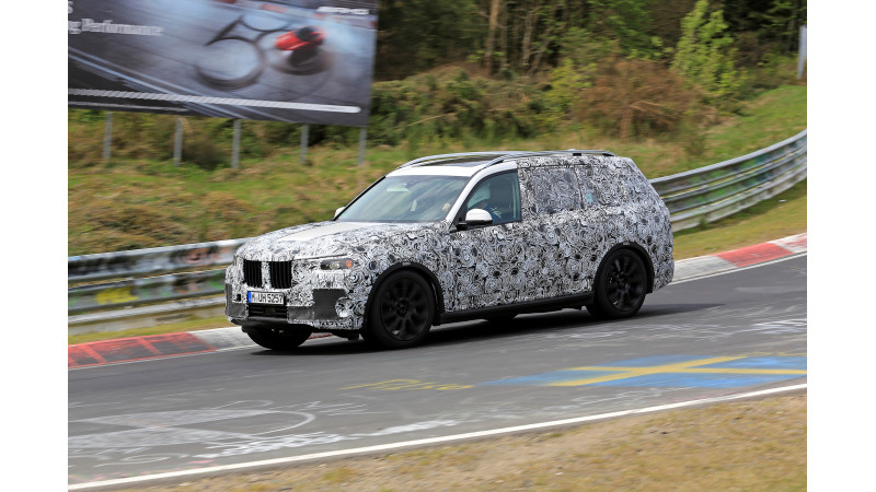 BMW continues X7 development at the Nurburgring