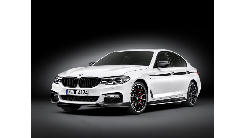 577ba6f2bb61 2017 BMW 5 Series M Performance accessories revealed