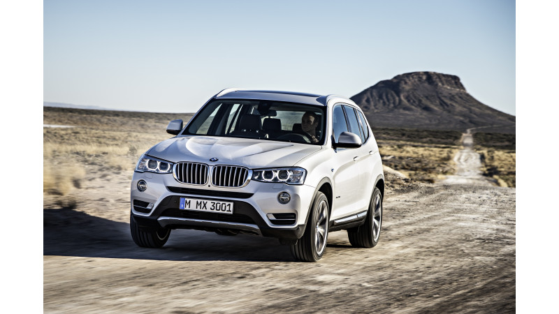 BMW X3 and X5 now available with petrol power
