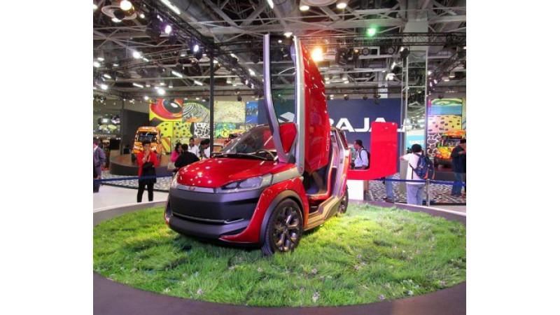 Bajaj unveils U-car at the Auto Expo 2014