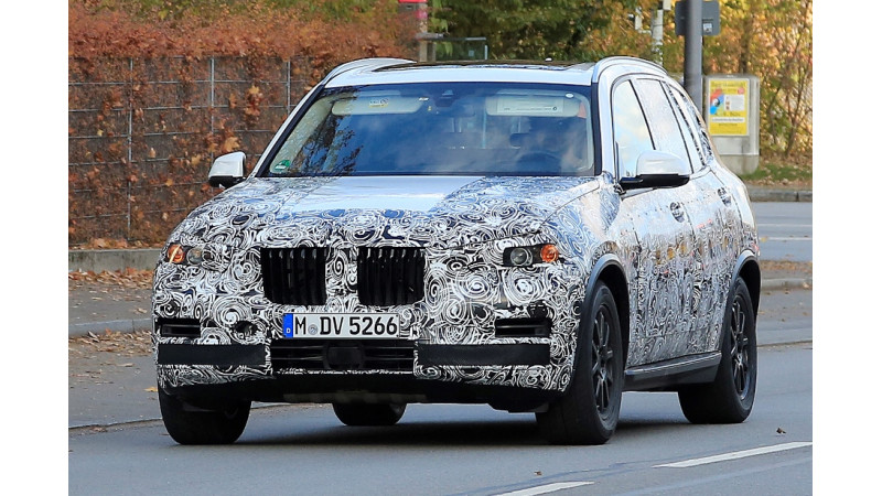 2018 BMW X5 spotted on test