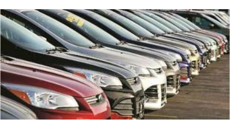 No plans yet to make airbags mandatory; safety norms will be tightened