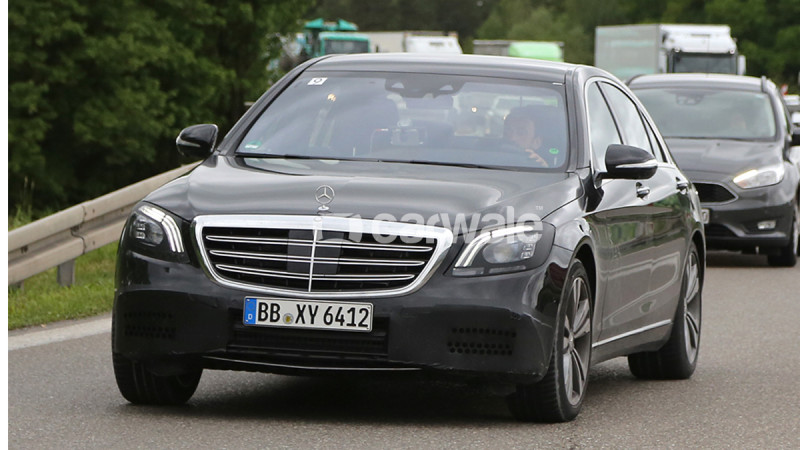 Facelifted Mercedes-Benz S-Class caught testing