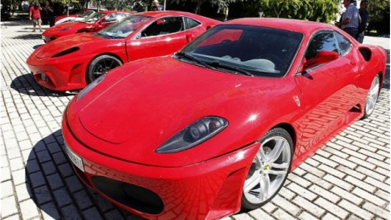 Spanish police busts fake Ferrari scam