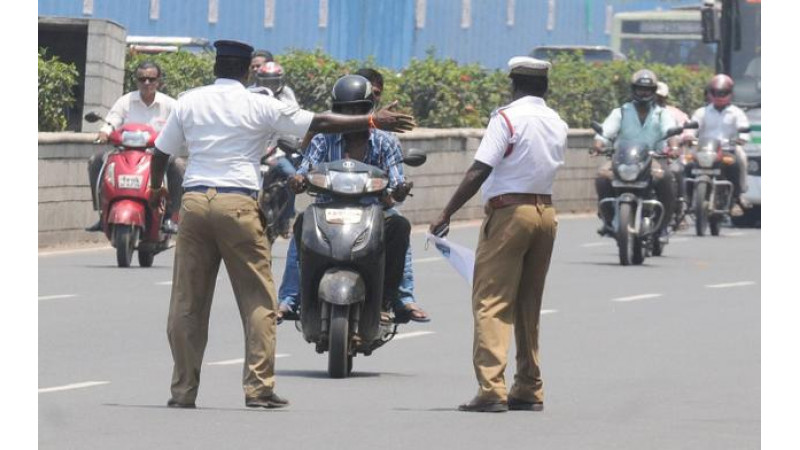 Mumbai Traffic police asked to refrain from checking PUC or Insurance papers