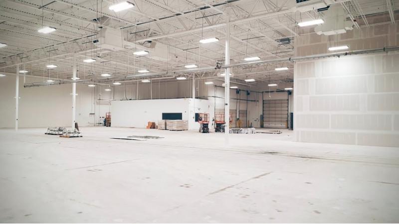 Google building self-driving car development facility