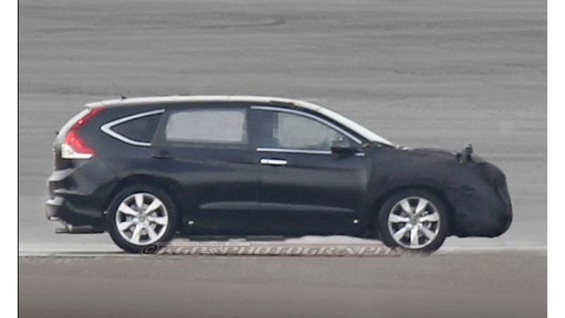 Honda CR-V spotted testing in seven-seater guise