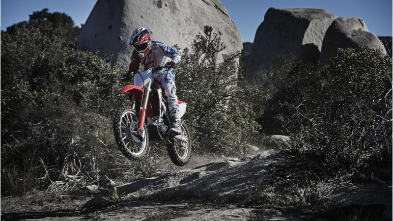 Honda announces new CRF450R and CRF450RX worldwide