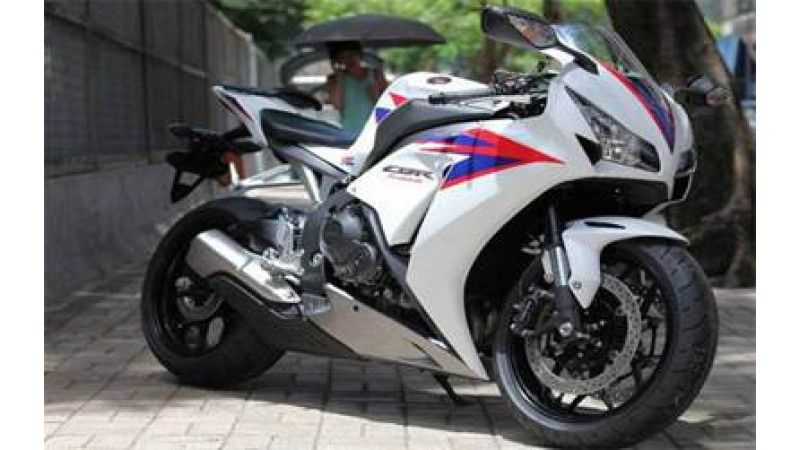 The Irresistible 2012 CBR1000 RR by Honda revealed