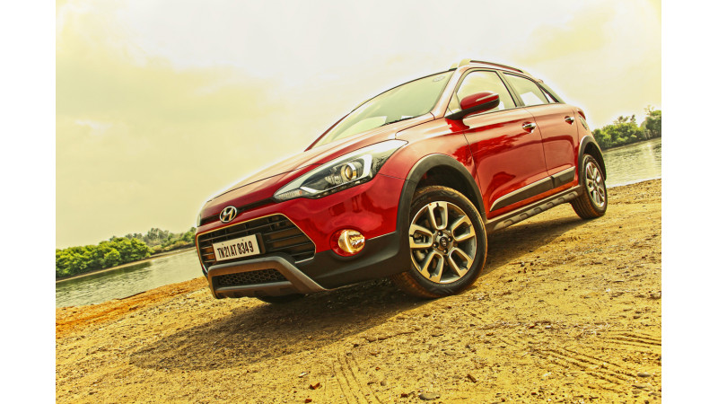 Hyundai i20 Active now offered with six airbags; priced at Rs 8.33 lakh