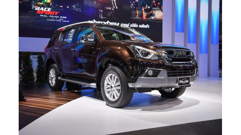 Facelifted Isuzu MU-X showcased at 2017 Bangkok Motor Show