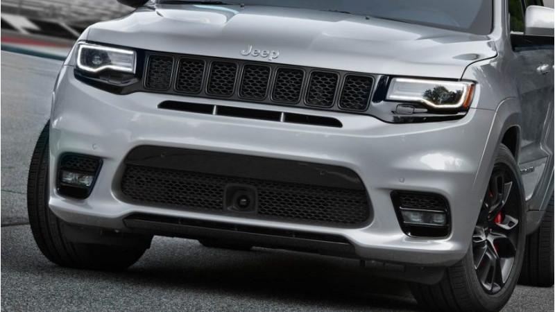 2017 Jeep Grand Cherokee SRT revealed