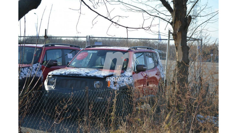 Jeep Renegade facelift test mule images surface