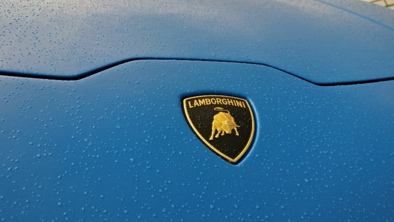 Urus hybrid has been confirmed by Lamborghini