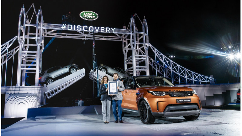 India-bound new Land Rover Discovery revealed at 2016 Paris Motor Show