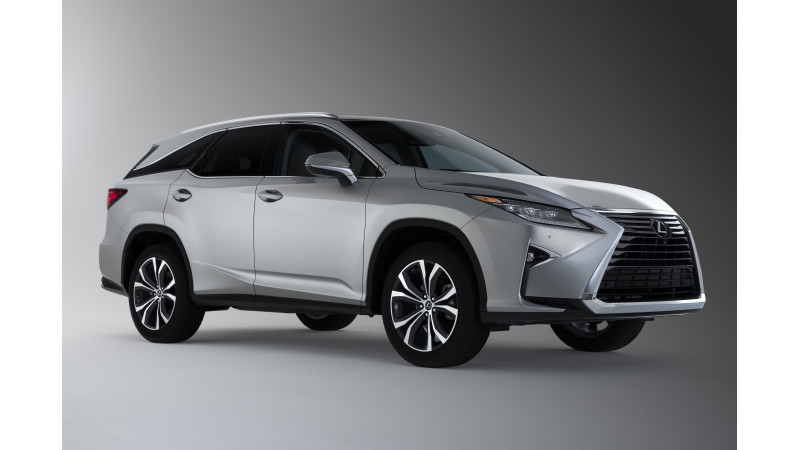 Lexus RX L makes debut