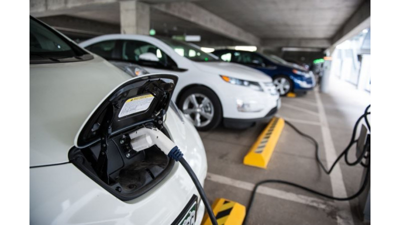 Car manufacturers likely to introduce electric cars ahead of expected time