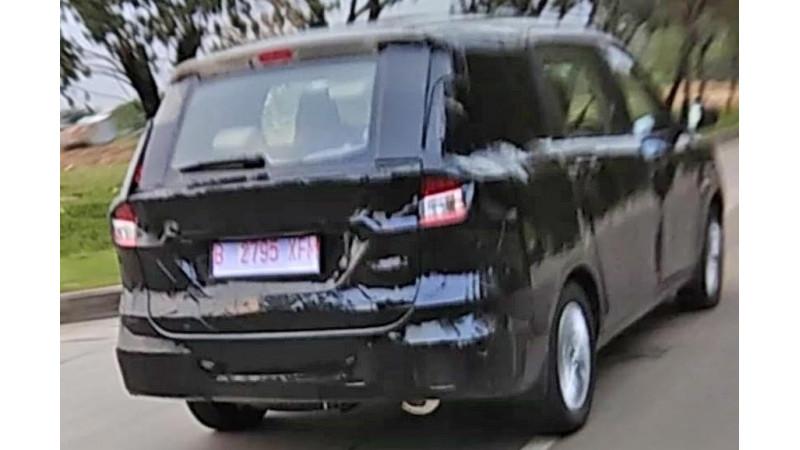 Maruti Suzuki Ertiga facelift test-mule spied