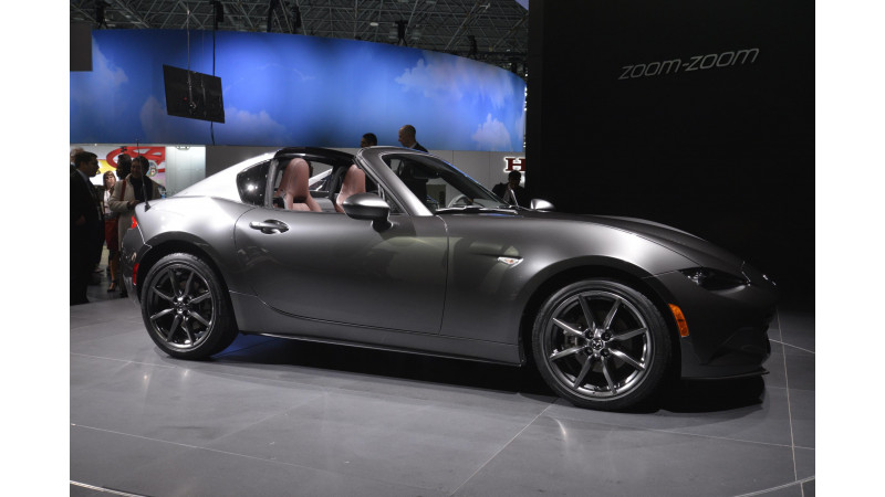 Mazda reveals MX-5 hardtop at New York Motor Show