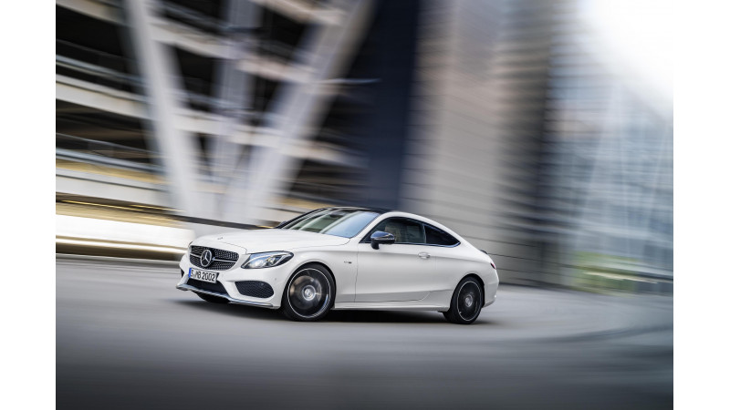 Mercedes-AMG expands C-Class performance range with new C 43 4MATIC coupe