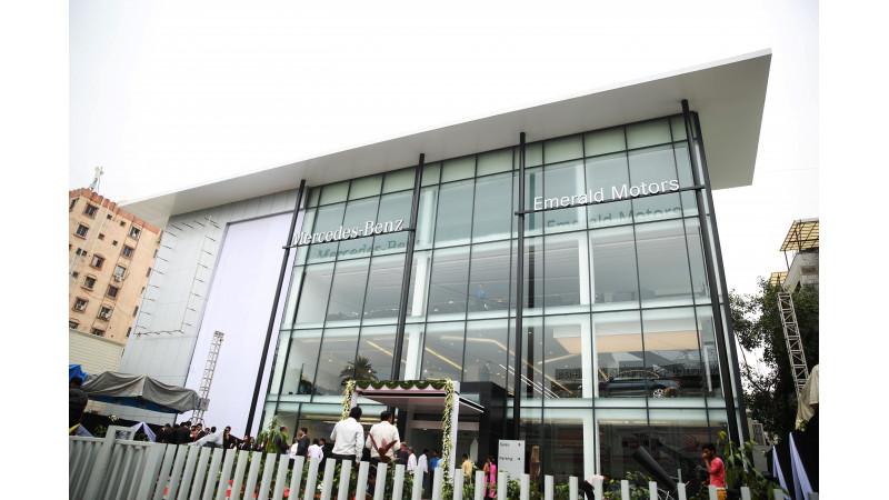 Mercedes-Benz inaugurates a new facility in Ahmedabad
