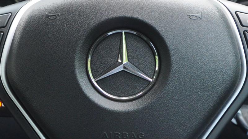 Mercedes-Benz introduces more E-Class models abroad
