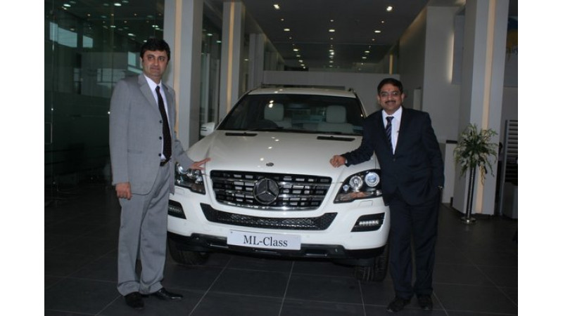 Mercedes Benz Opens Largest Showroom Of Luxury Cars In India Cartrade