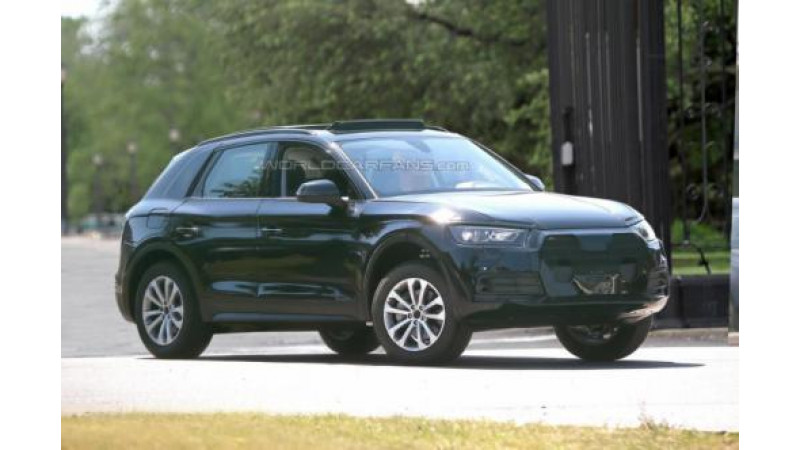 Next-Gen Audi Q5 spotted with minimal camouflage