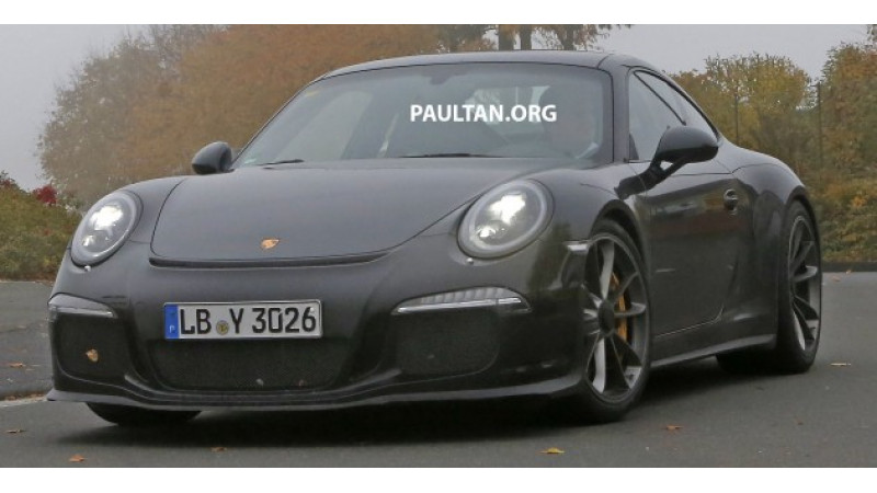 Porsche 911 R spotted on test, likely to be introduced in 2016