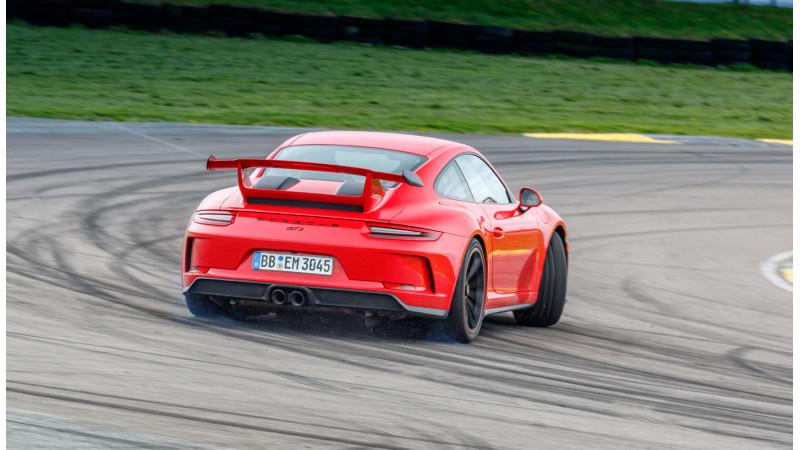 Porsche 911 GT3 breaks its own Nurbrugring time