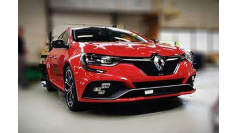 Shots of an undisguised Renault Sport Megane surface online