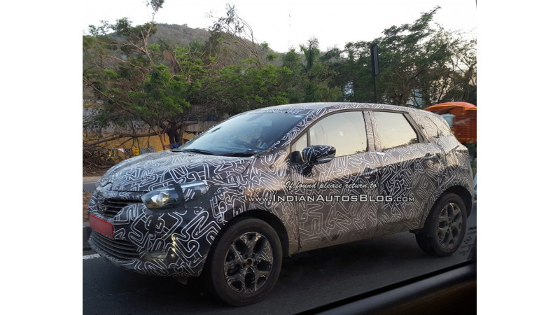 Renault Kaptur spotted on test in India ahead of its launch this year