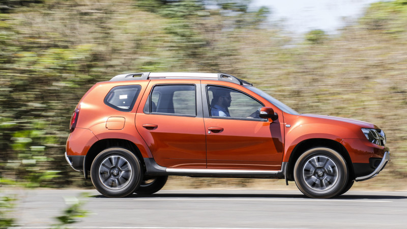 Renault Duster RxS now comes with touchscreen and airbags