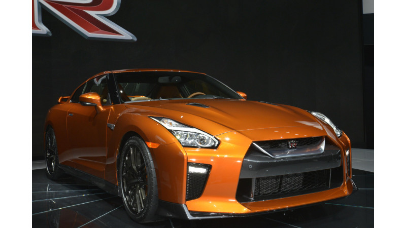Nissan shows off 2017 GT-R at New York Motor Show