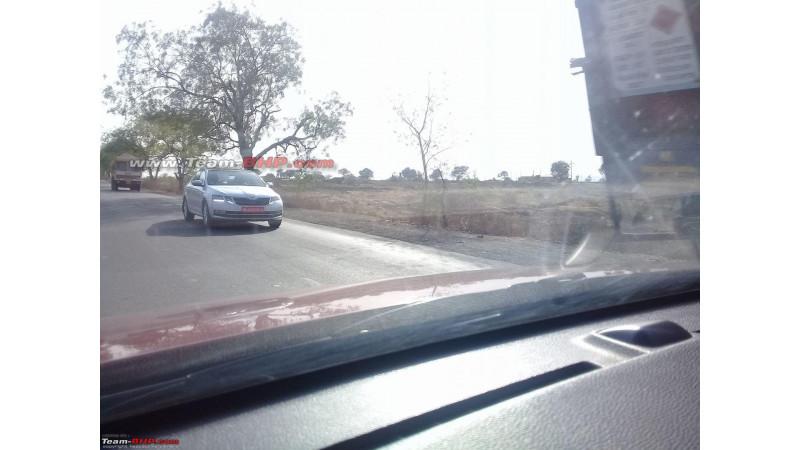 2017 Skoda Octavia spied testing near Aurangabad