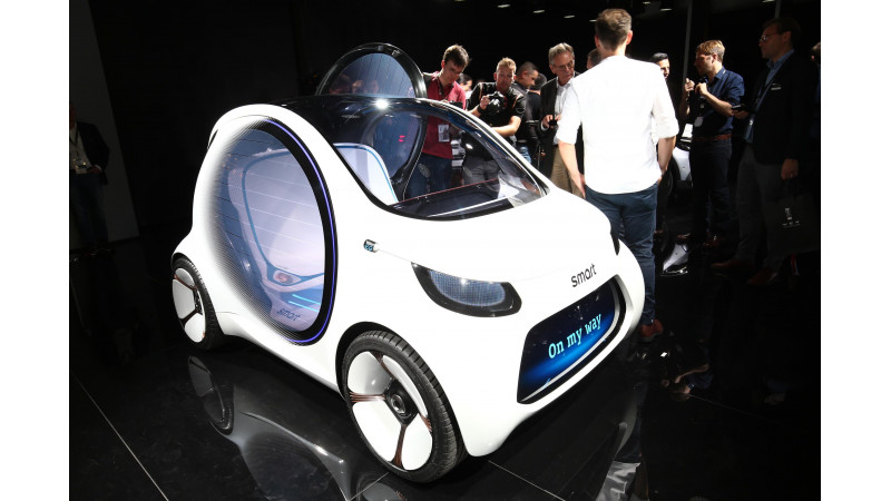 Frankfurt Auto Show 2017: Smart Vision EQ for two- autonomous micro with determined looks