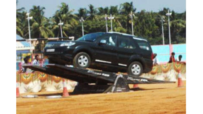 Safari Storme entices off-road junkies at the Tata Motors Xtreme Drive event in Mumbai