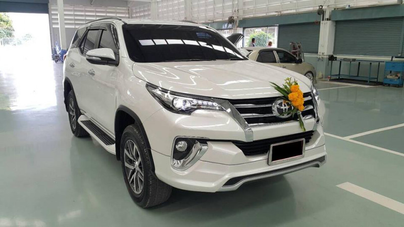 India-bound 2016 Toyota Fortuner gets a sporty body kit