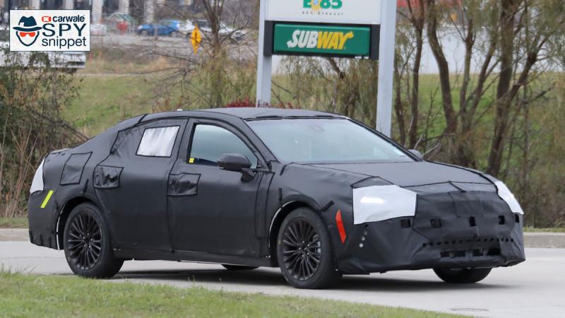 Toyota spotted testing the next-gen Avalon sedan