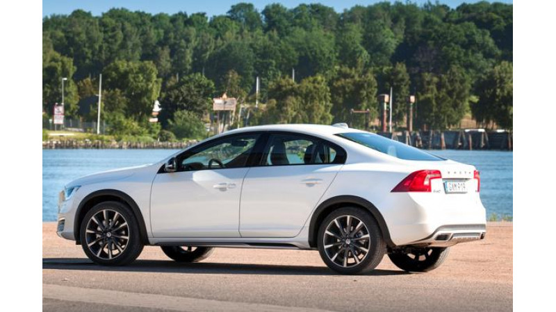 2016 Volvo S60 Cross Country due for launch tomorrow