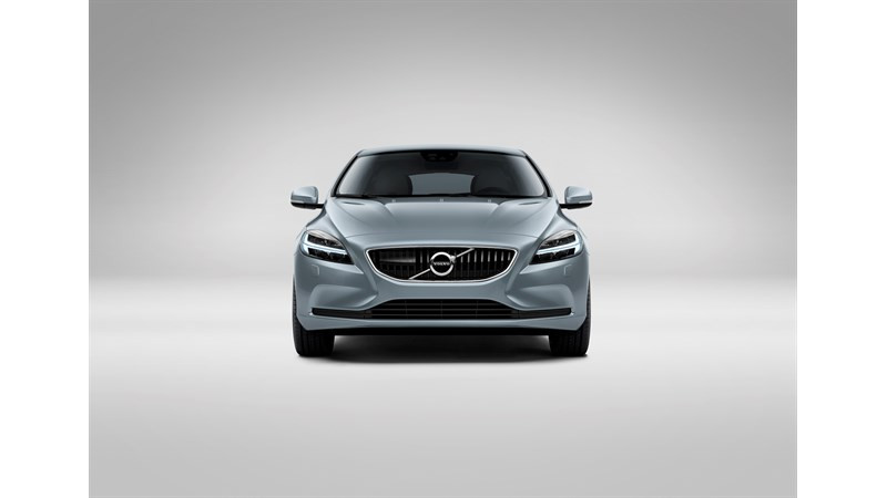 Volvo V40 gets a new face