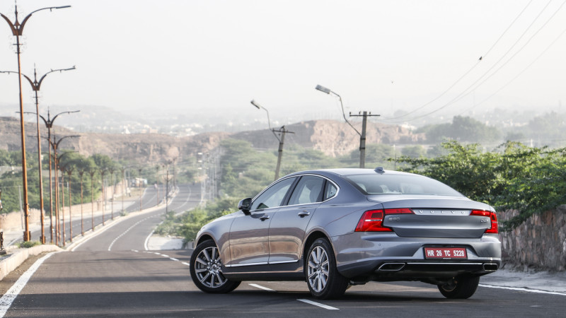 Volvo S90 sedan's Top 5 features detailed