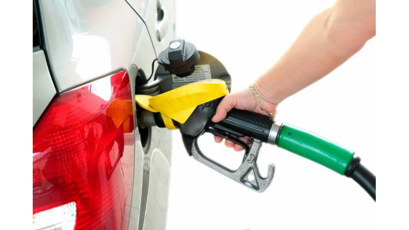Petrol price reduced by 32 Paise/Liter, diesel hiked by 28 Paise/Litre