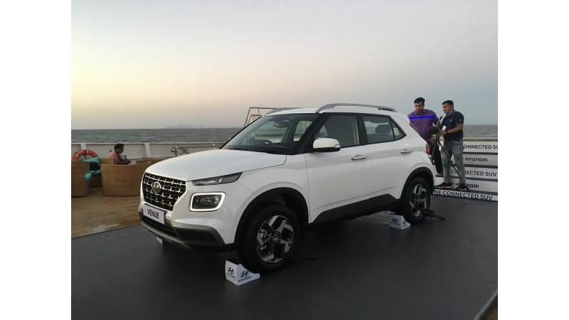 https://imgct2.aeplcdn.com/img/800x450/news/Hyundai/hyundai-venue-131555570655.jpg?v=31