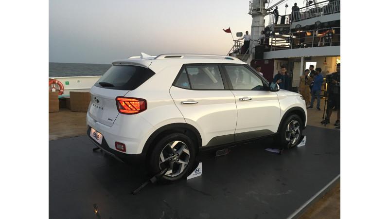 https://imgct2.aeplcdn.com/img/800x450/news/Hyundai/hyundai-venue-81555570587.jpg?v=31
