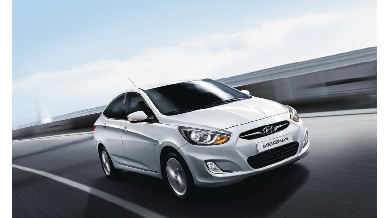 Hyundai 4s Fluidic Verna Petrol Diesel Mt Vs Honda Amaze Petrol