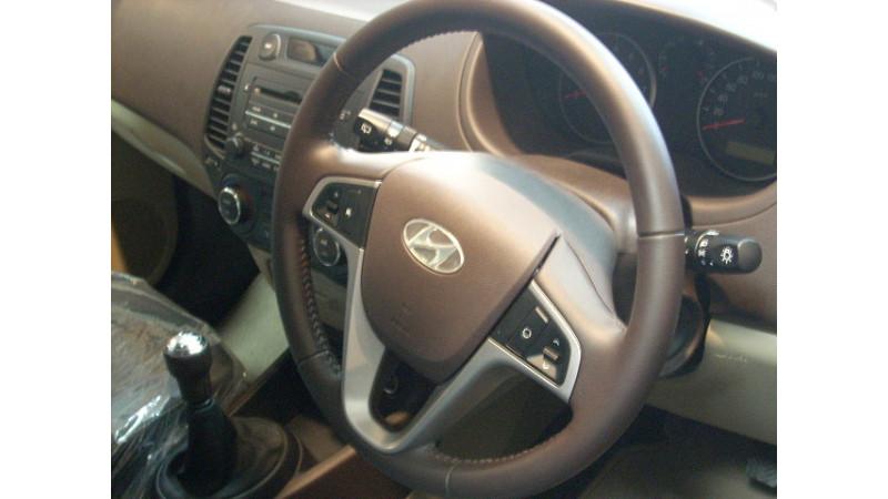 Road test of Hyundai i20 and comparison with Maruti Swift and Skoda Fabia