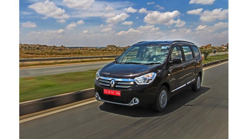 Renault Lodgy Petrol/Diesel MT Vs Chevrolet Enjoy Petrol